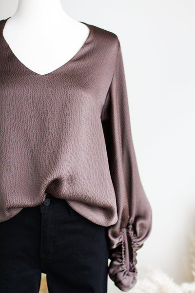 A LIST BALLOON SLEEVE BLOUSE
