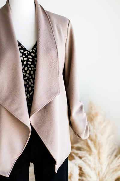 STRETCH BLAZER IN TAUPE