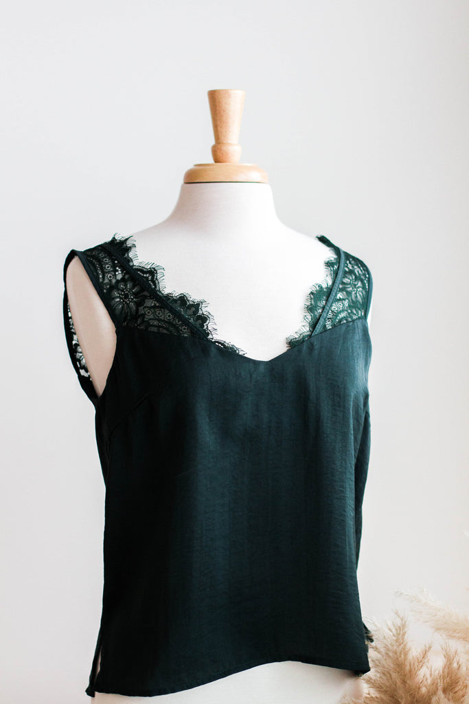 EMERALD LACE DETAILED SATIN TANK