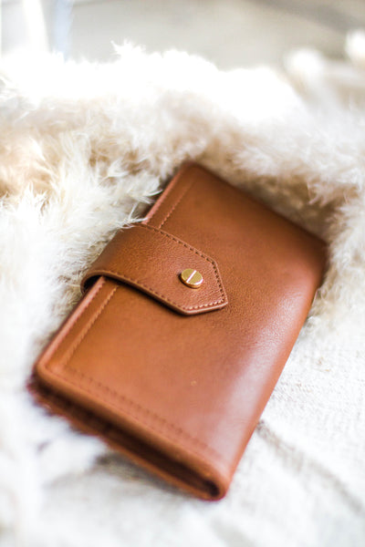 AMBLE SLIMLINE WALLET IN TAN