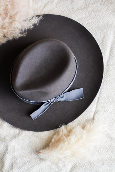 BOHO PANAMA HAT IN CHARCOAL