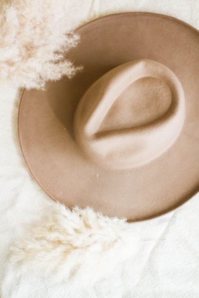 CAROLINA WOOL WIDE BRIM HAT IN TAUPE