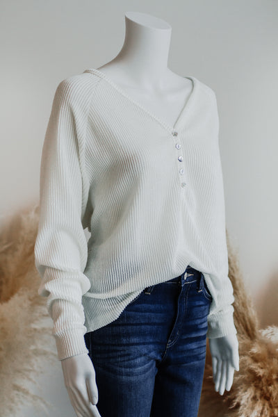 YOUR TURN PULLOVER TOP IN IVORY