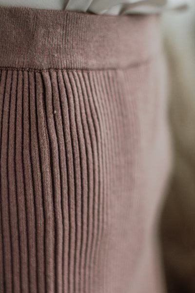 FINESSE CAREER SWEATER SKIRT IN MOCHA