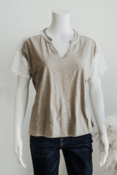 MAVE SPORTY TEE TOP IN TAUPE
