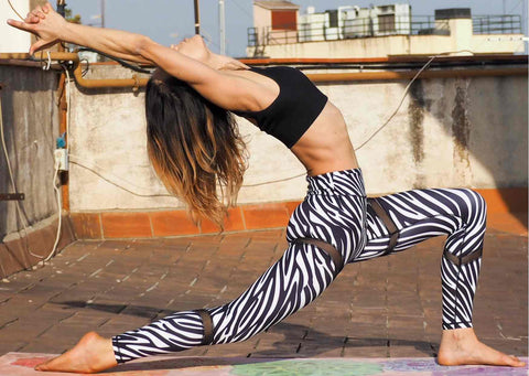 Crescent lunge pose - Yoga Poses for buttocks - Blossom Yoga Wear Womens eco friendly yoga clothes and gym wear
