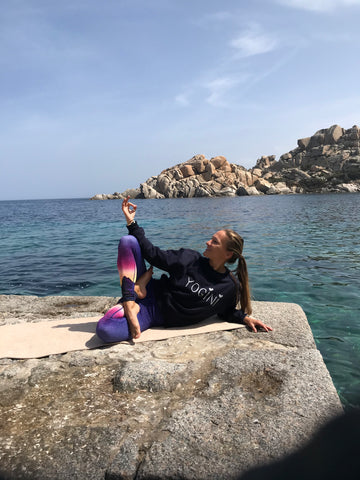 Blossom Yoga Wear - What should I wear for yoga - which are the best leggings for yoga