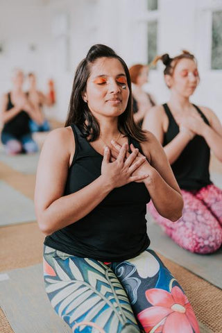 Blossom Yoga Wear blog on why the business world needs yoga. Blossom Yoga Wear is a UK based fitness wear brand selling activewear leggings and yoga wear