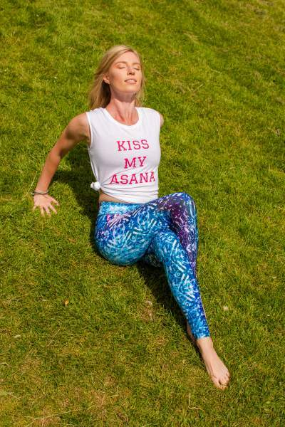 Kiss My Asana Slogan Vest Top White/Pink