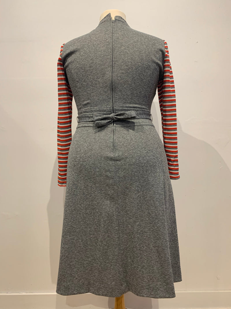 Vintage knit dress w/knit belt