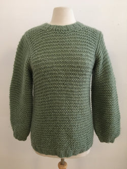 Hand knit sweater w/puff sleeves