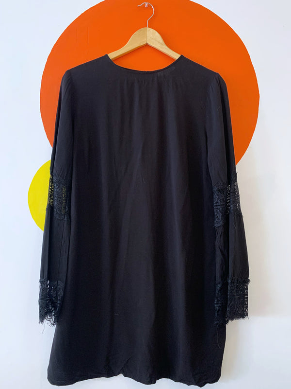 Black Tunic With Lace Detailed Sleeves