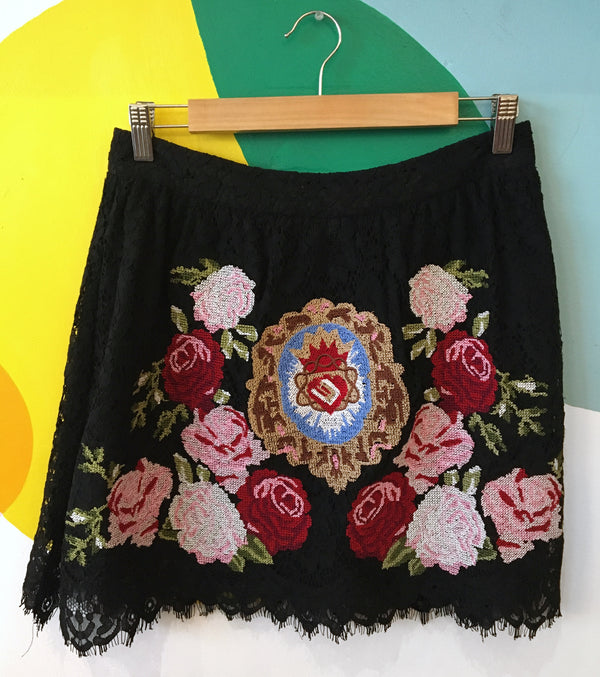 Black lace & embroidery skirt