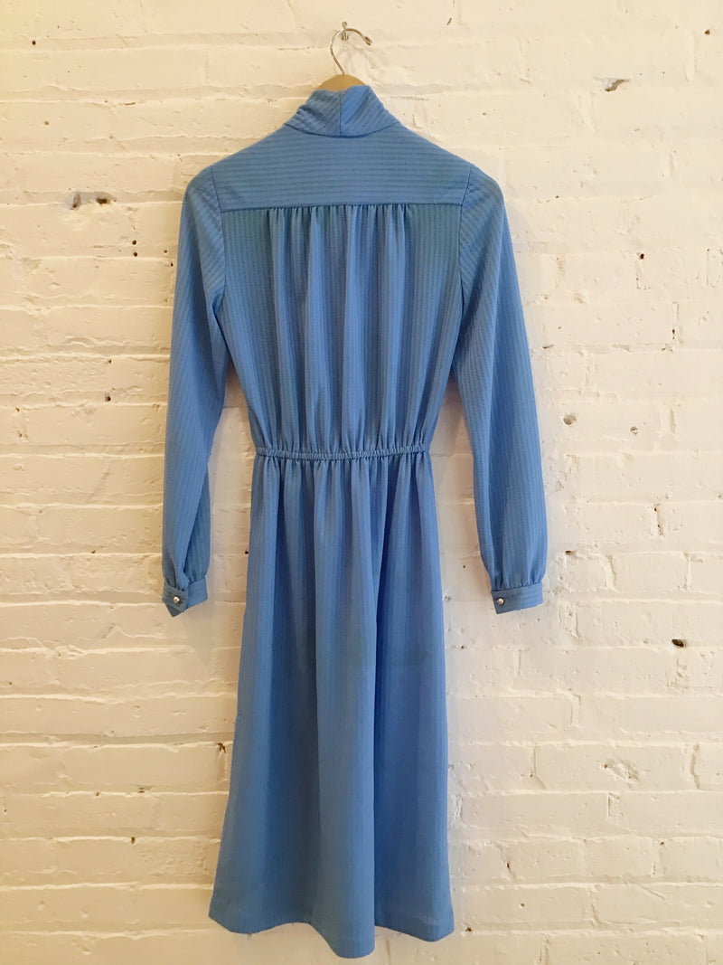 Long Sleeve Dress With Neck Tie