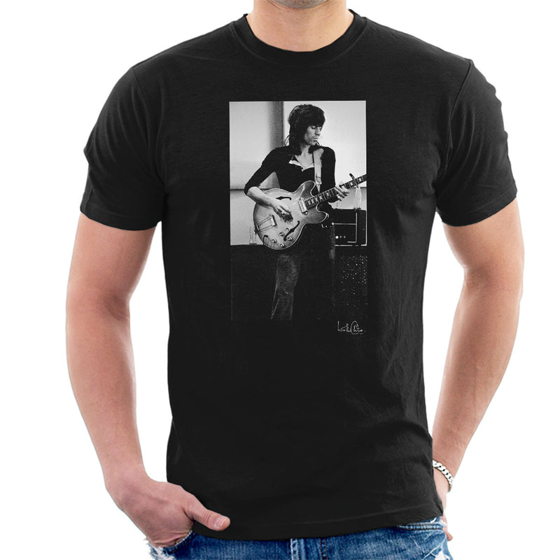 Rolling Stones Keith Richards Playing Guitar Men's T-Shirt