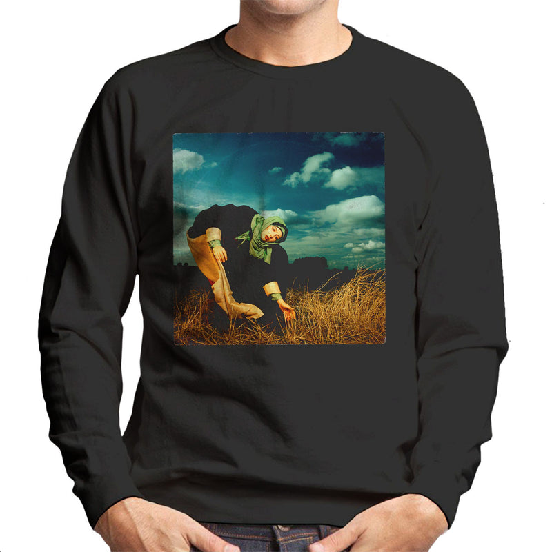 Kate Bush Album Photo Shoot 1982 Men's Sweatshirt - Don't Talk To Me About Heroes