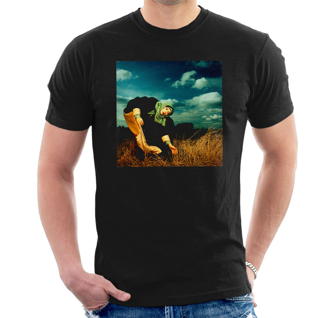 Kate Bush Album Photo Shoot 1982 Men's T-Shirt