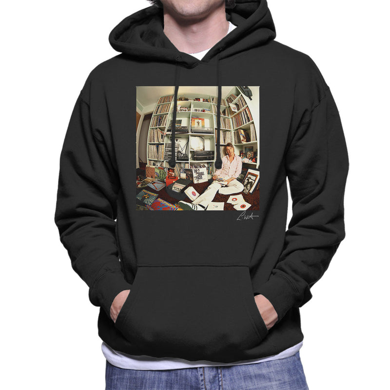 Paul Weller With Record Collection Men's Hooded Sweatshirt