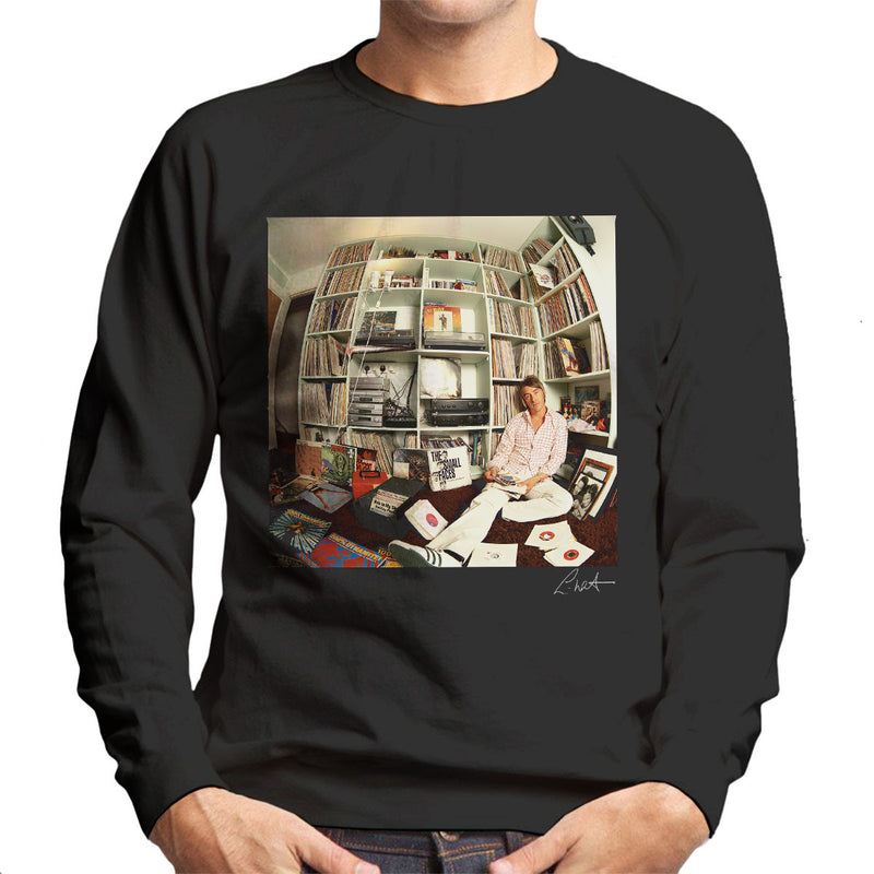 Paul Weller With Record Collection Men's Sweatshirt