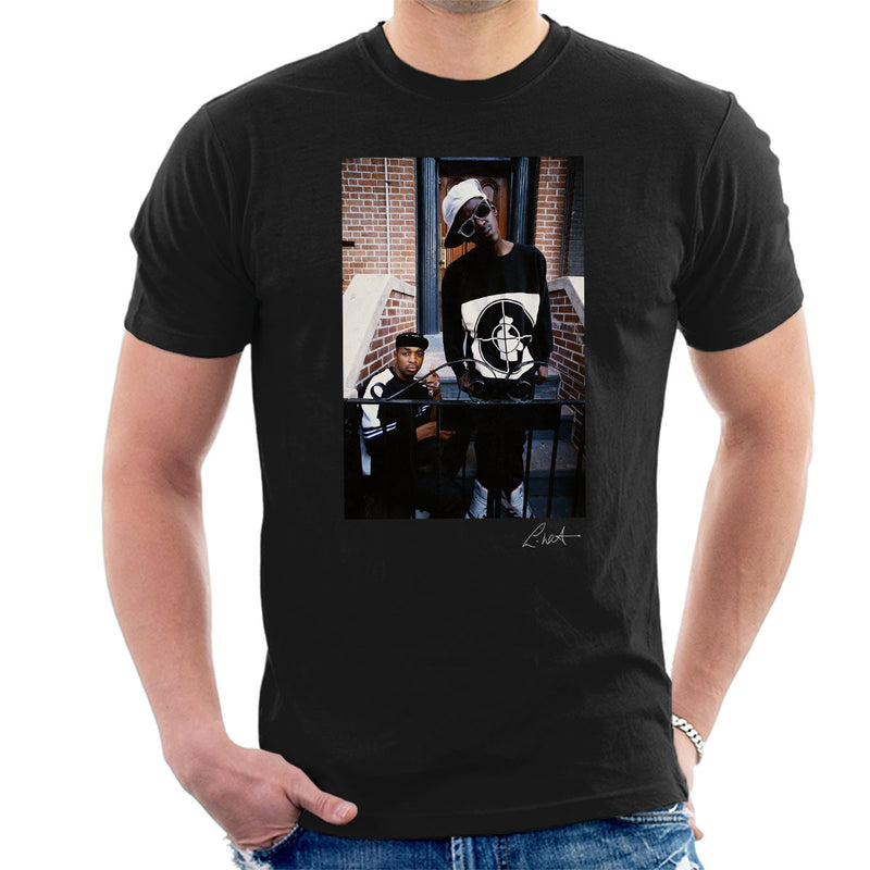 Public Enemy Flavor Flav Chuck D On Steps Men's T-Shirt - Don't Talk To Me About Heroes