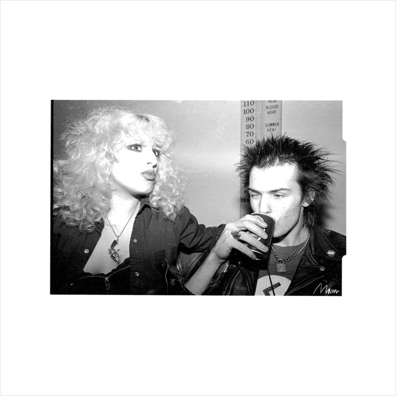 Sid Vicious And Nancy Spungen Drinking In London 1978 Men's Sweatshirt - Don't Talk To Me About Heroes