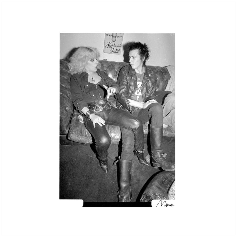 Sid Vicious And Nancy Spungen Hanging Out London 1978