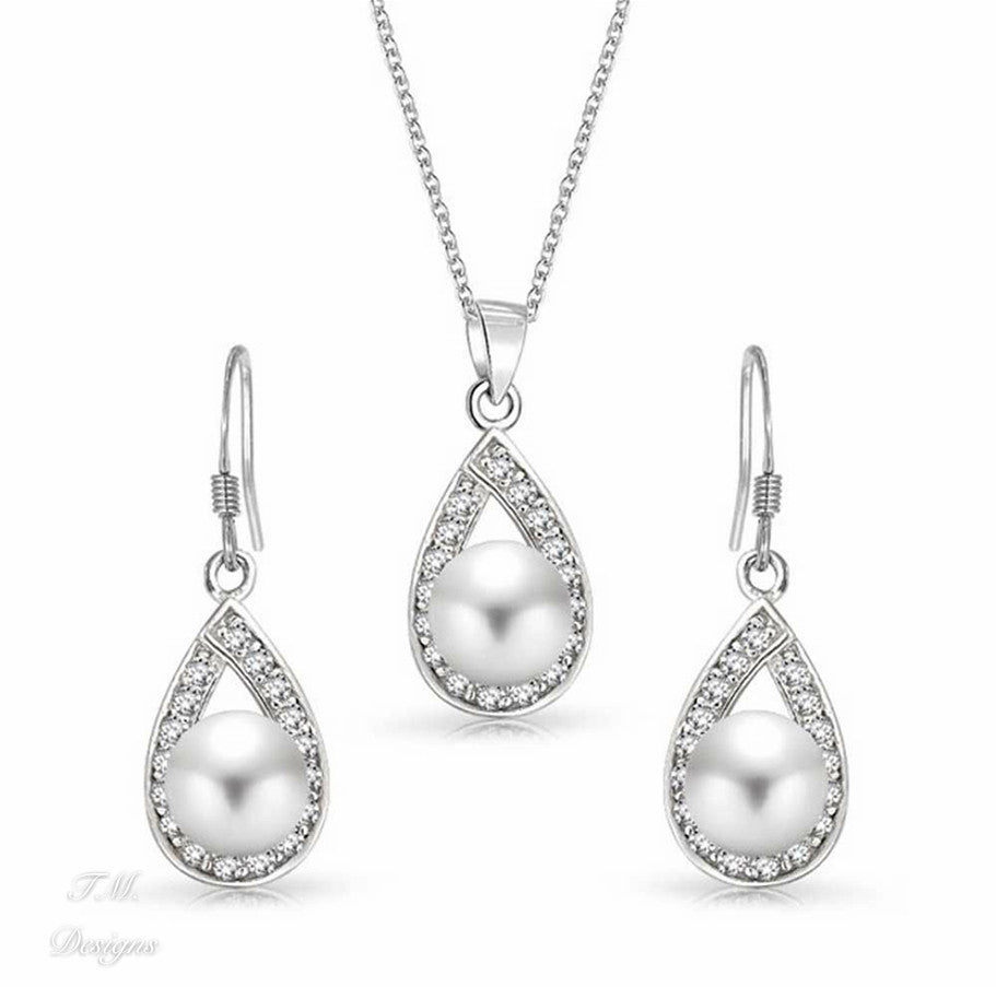 Stunning Bridal Teardrop Pearl and Crystal Jewellery Set, Earrings and Necklace - FabFunBride