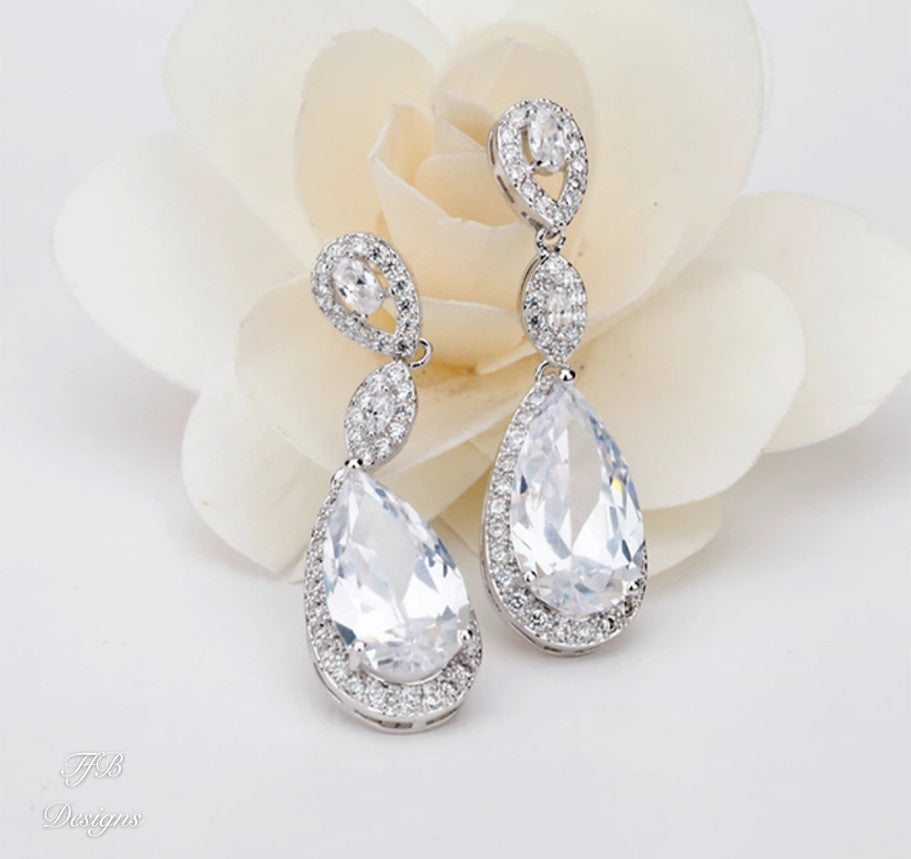 Emilia Drop Earrings - FabFunBride