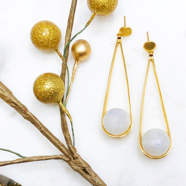 22k Gold Plate Moonstone Earrings.