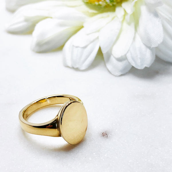 14K Yellow Gold Signet Ring.