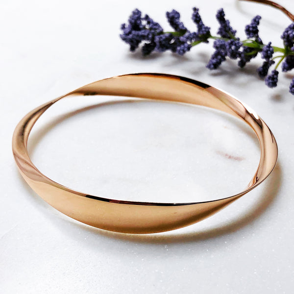 14K Rose Gold Bangle Bracelet.