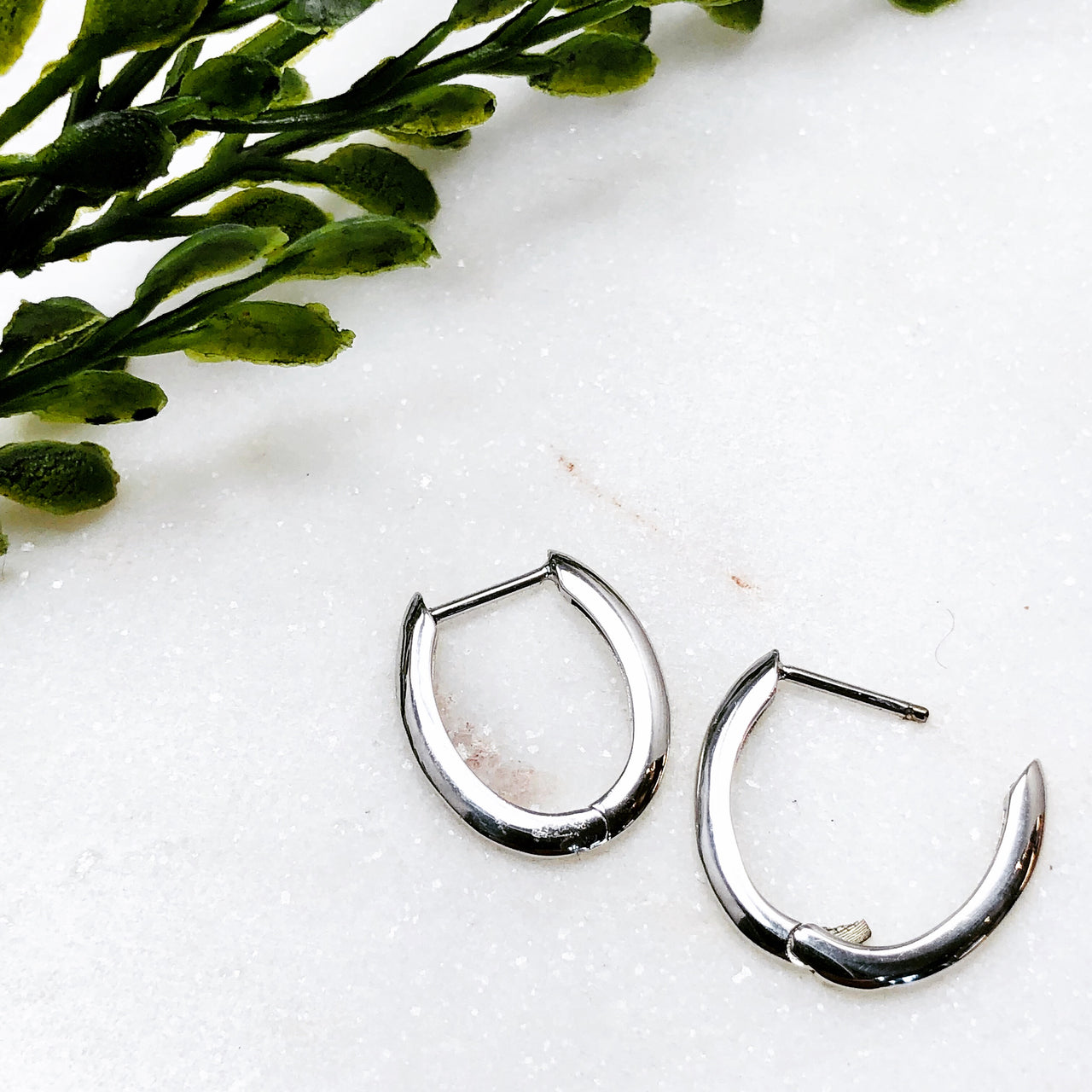 14K White Gold Hinged Hoop Earrings.