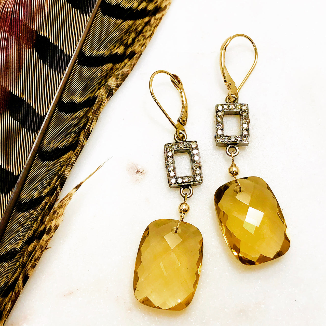 Sterling Silber /14K Yellow Gold Quartz and Diamond Earrings.