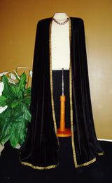 "The ""King's Gold"" Men's Cape"