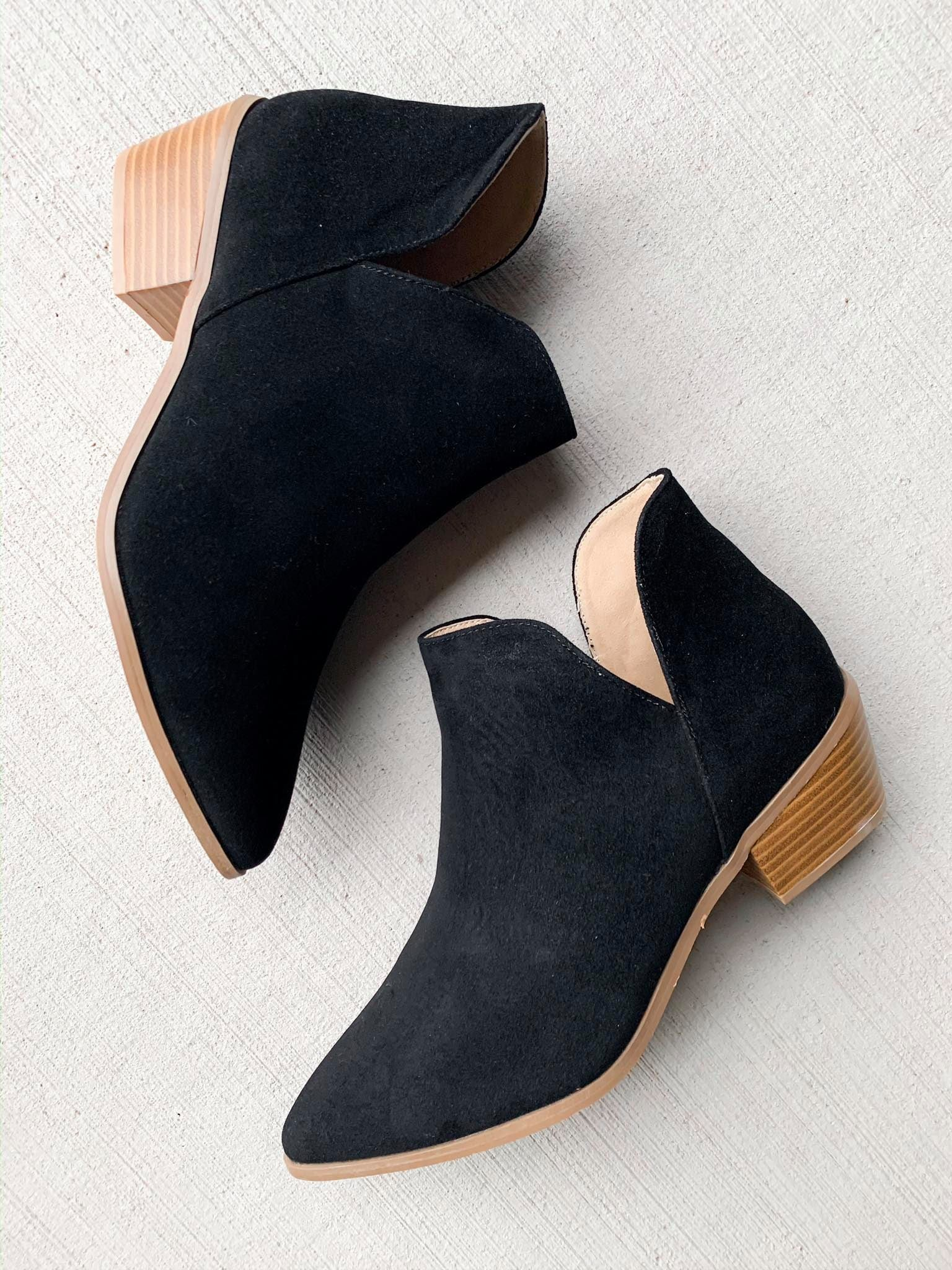 Changing Seasons Booties (Black)