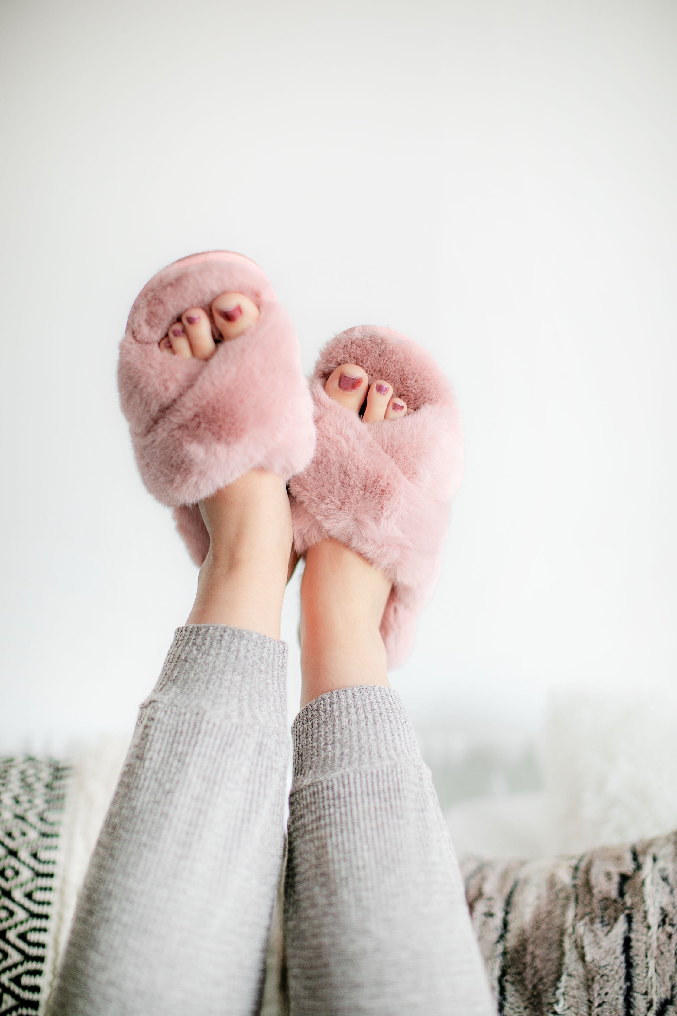 (SALE) Weekends Are For Cozy Slippers (Mauve)