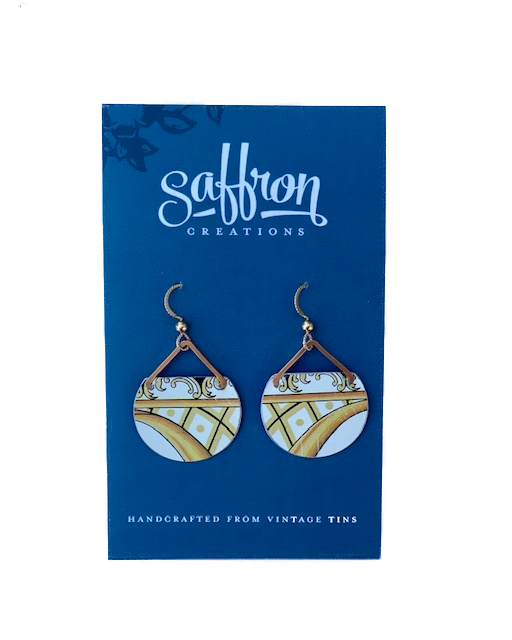 Saffron Pointed Circle Earrings -- White and Gold