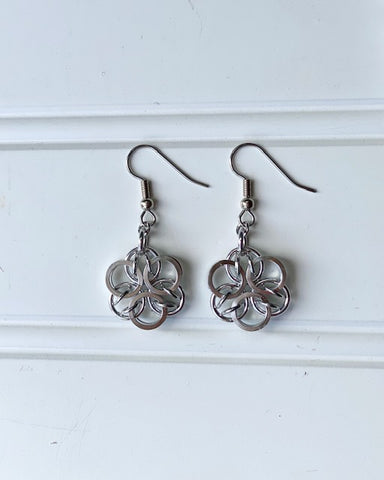 Earrings -- Ring Weaver Flowers