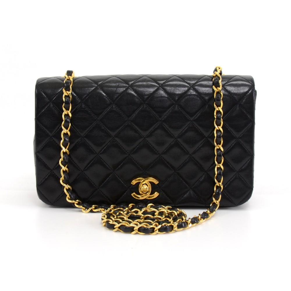 "9"" Classic Quilted Lambskin Leather Shoulder Bag"