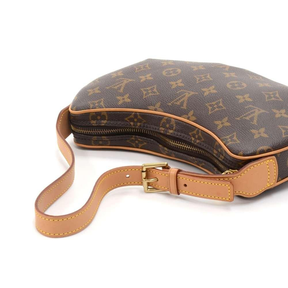 Pochette Croissant Monogram Canvas Shoulder Handbag