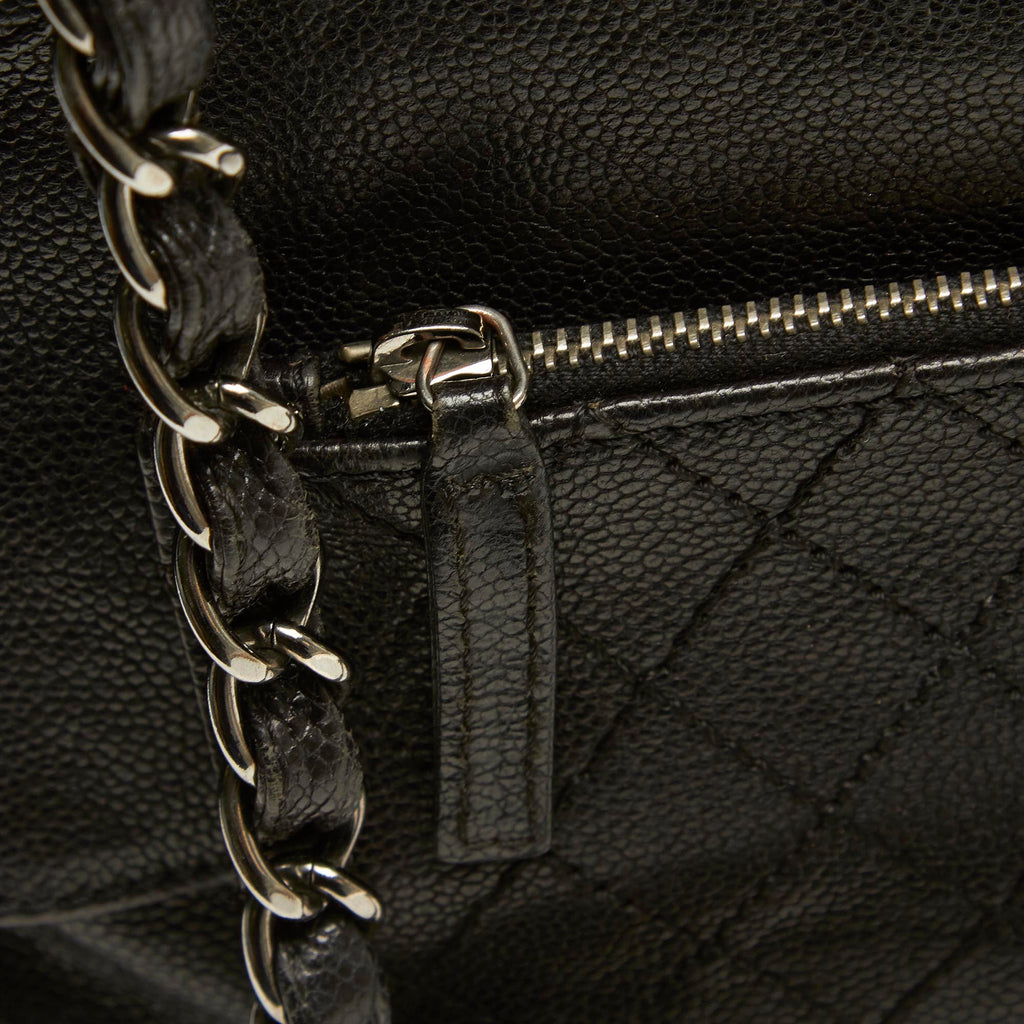 Pocket In The City Caviar Leather Flap Bag
