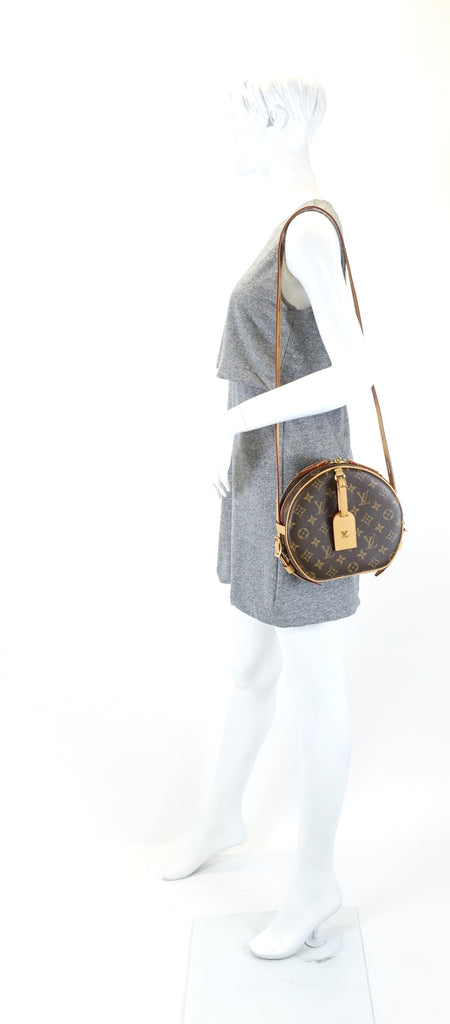 Boite Chapeau Souple Monogram Canvas Bag