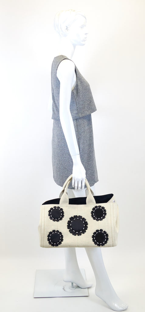 Mistolino Canvas with Flower Applique Tote Bag