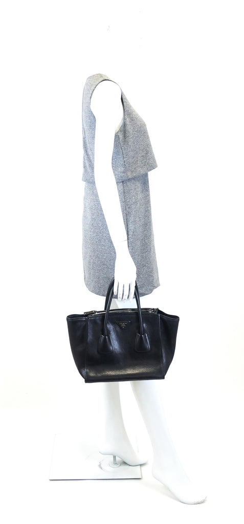 Twin Pocket Glazed Calf Leather Tote Bag