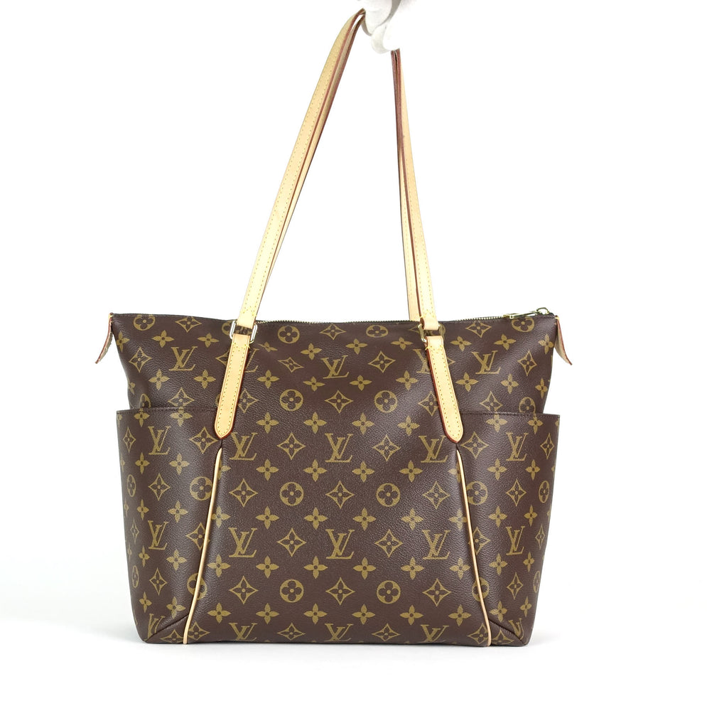 Totally MM Monogram Canvas Shoulder Bag