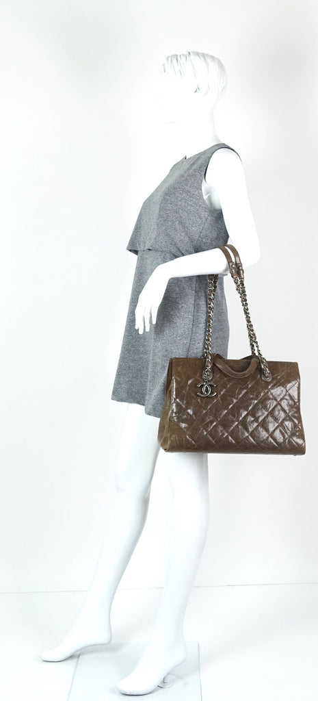 CC Crave Quilted Glazed Caviar Leather Tote Bag