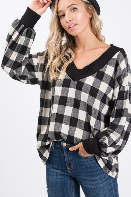 Black/white plaid pullover