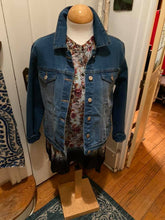 Scalloped edge denim jacket