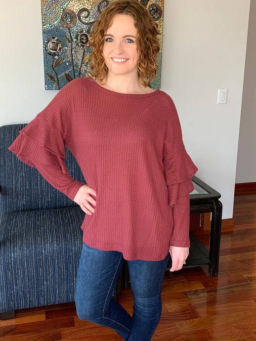 Wine top with ruffle sleeves