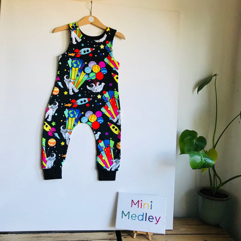 Party planet space man babies / children's harem dungarees